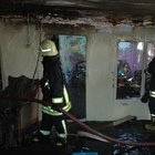 Tekirdağ'ın ÇÇorlu'daki yangında 3 ev tamamen yanarak kül oldu