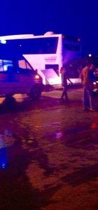 Çorum'da otomobil yolcu otobüsüne çarptı!