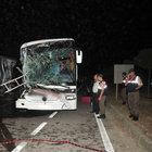 Bursa'da yolcu otobüsü TIR'a çarptı: 33 yaralı