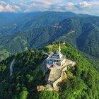 Kıble Dağı'nın zirvesinde yükselen cami!