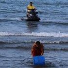 Denizde bulunan bidon incelemeye alındı