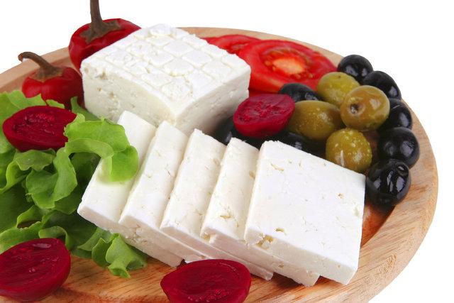 Tam yağlı peynir kalbi koruyor!