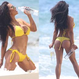 Sarı bikinili Leidy