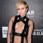 Miley Cyrus içini boşalttı