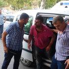Katil zanlısını linçten polis kurtardı