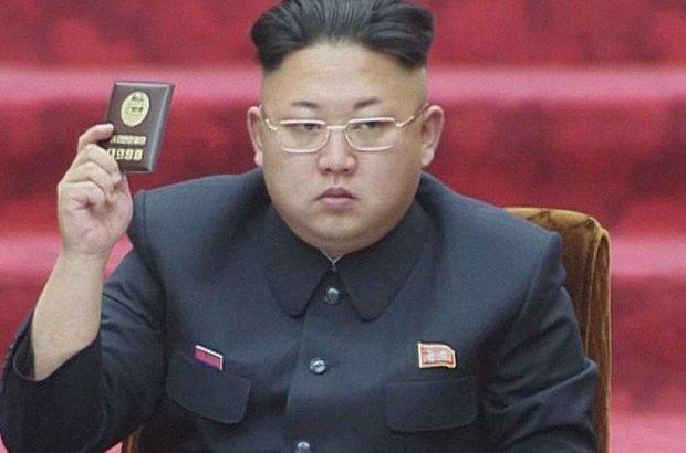 Kuzey Kore ile Güney Kore arasında son günlerde yaşanan gerginlik tırmanmaya devam ediyor. Kuzey Kore'deki komünist yönetime karşı propaganda yapmak için sınıra konulan Güney Kore'ye ait bir hoparlöre ateş açıldı. Güney Kore ise buna 10 top atışıyla yanıt