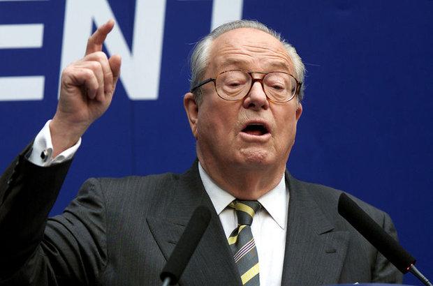 Fransa'da aşırı sağcı Ulusal Parti, Onursal Başkan Jean-Marie Le Pen'in partiden ihracına karar verdi