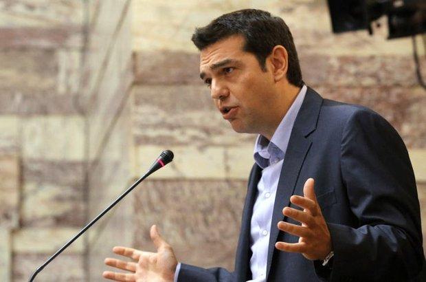 Erken seçimin eşiğinde olan Yunanistan'da iktidarda olan parti SYRIZA Çipras'ın uluslararası kreditörlerle 3'ncü kurtarma paketine imza atması sonrasında bölünüyor