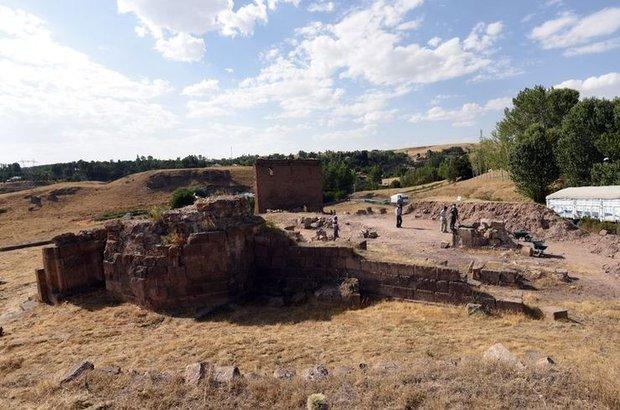 Ahlat'ta kazı çalışmaları 2010'da durdurulmuştu
