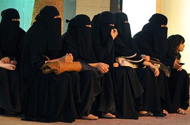 Suudi Arabistan, Kadınlara seçme ve seçilme hakkı verildi
