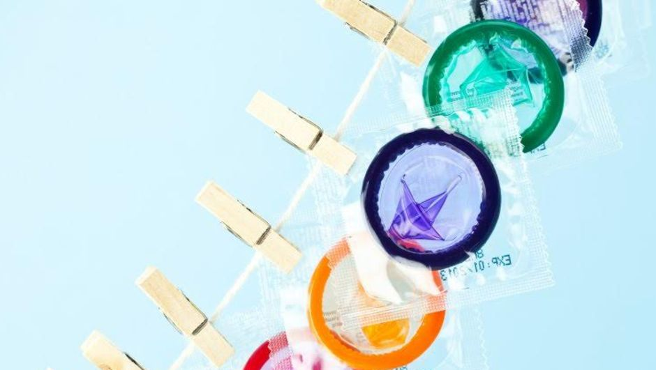 Prezervatif, kondom, ereksiyon problemi, sertleşme sorunu, prezervatif sertleşme sorununa yol açar mı, Dr. Cynthia Graham