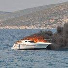 Kuşadası'nda sürat teknesinde yangın