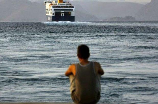 Türkiye'den Yunan Adaları'na yüzerek geçmiş!