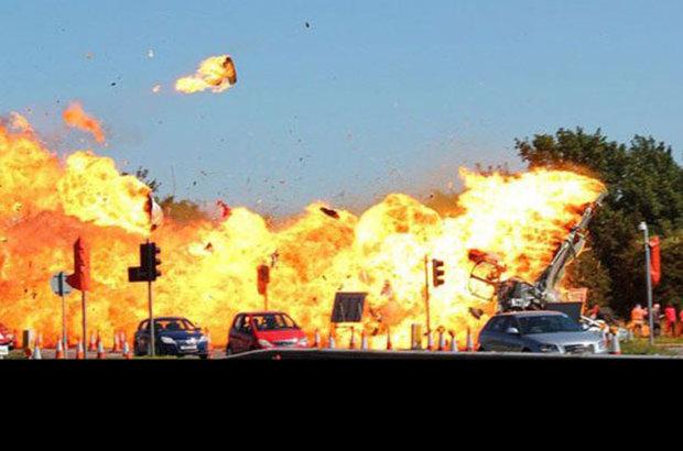 İngiltere'de Shoreham Havacılık Fuarı'nda gösteri uçuşu yapan bir uçağın otoyoldaki bazı araçların üzerine düşmesi sonucu yaşanan facianın bilançosu ağırlaşıyor. Yetkililer ölü sayısının 'muhtemelen 11'e çıktığını