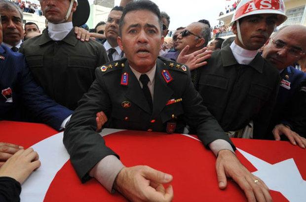 Mustafa Kamalak'tan şehit Ali Alkan'ın ağabeyi yarbay Mehmet Alkan