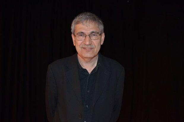 Edebiyat dünyasının saygın odüllerinden 'Erdal Öz Edebiyat Ödülü'Orhan Pamuk'a verildi