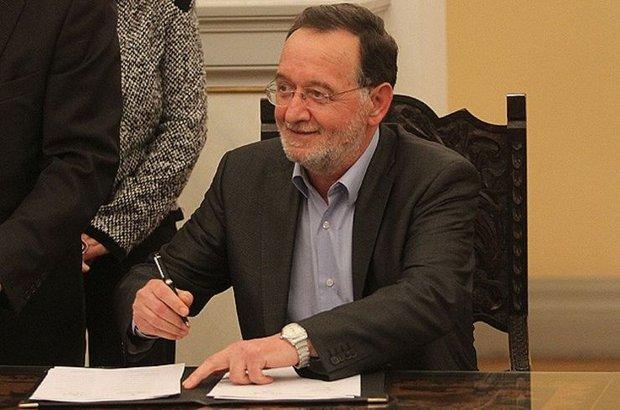 Yunanistan Cumhurbaşkanı Pavlopulos, hükümeti kurma görevini SYRIZA'dan ayrılanların kurduğu Laiki Enotita partisinin lideri Lafazanis'e verdi
