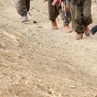 PKK'lılar Kars'ta ARAS EDAŞ'a ait aracı gasp etti