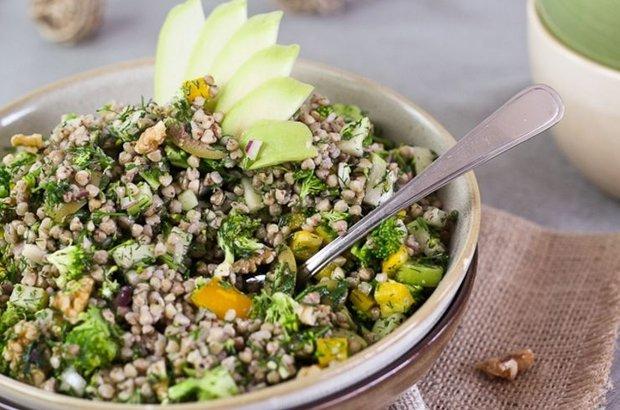 Karabuğday salatası nasıl yapılır? Karabuğday salatası tarifi, Karabuğday salatası malzemeleri