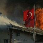 Kumkapı'daki Balık Hali'nde yangın çıktı