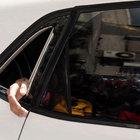 Fatih'te otomobilde mahsur kalan kadına kurtarma operasyonu