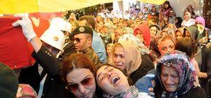 Şehit polis memuru Oktay Uçar'ın cenazesi Bafra'da toprağa verildi