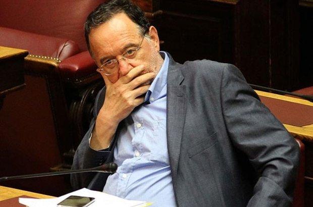 Yunanistan'da, Laiki Enotita partisi lideri Panayotis Lafazanis, pazartesi günü verilen hükümeti kurma görevini Cumhurbaşkanı Prokopis Pavlopulos'a iade etti