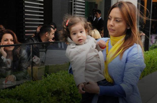 Ebru Gündeş'in kızı Alara büyüdü