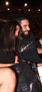 Arda Turan-Aslıhan Doğan çifti konsere damga vurdu