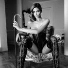 Ana Beatriz Barros geliyor