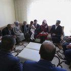 Başbakan Davutoğlu'ndan şehit polis Tanju Sakarya'nın ailesine taziye ziyareti