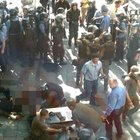 Kiev'de parlamento binasının önünde patlama!