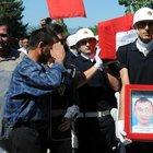 Şehit polis İlker Narin'i 5 bin kişi son yolculuğuna uğurladı