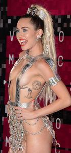 Miley Cyrus'a ağır eleştiri