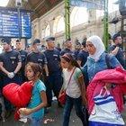 Budapeşte'de tren garı sığınmacı akını nedeniyle kapatıldı