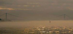 İstanbul Boğazı, yoğun sis nedeniyle gemi trafiğine kapatıldı