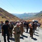 Şemdinli'de PKK'nın köprü bombalamasına köylülerin isyanı