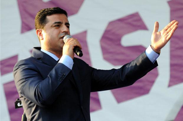 HDP Eş Genelbaşkanı Selahattin Demirtaş hakkında, Diyarbakır Cumhuriyet Başsavcılığı soruşturma başlatıldı.   Dokunulmazlığının kaldırılması fezlekesi