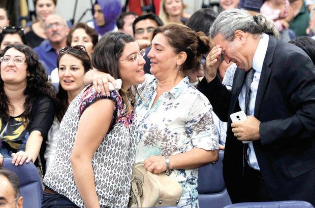 Kızı Doğu'ya atanan babanın sevinç gözyaşı