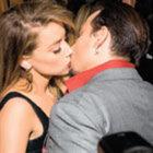 Johnny Depp ve Amber Heard kırmızı halıda aşk yaşadı