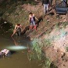 Kaçtığı polis kendisini boğulmaktan kurtardı