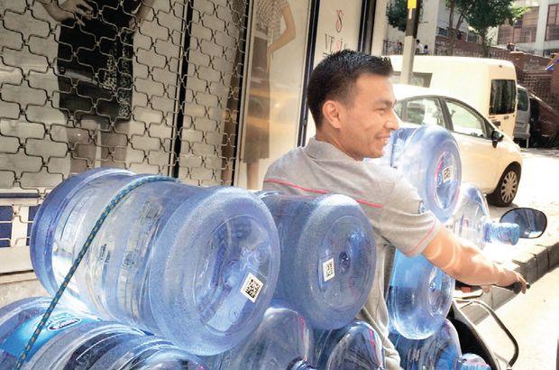 11 damacanalı su taşıyıcısı