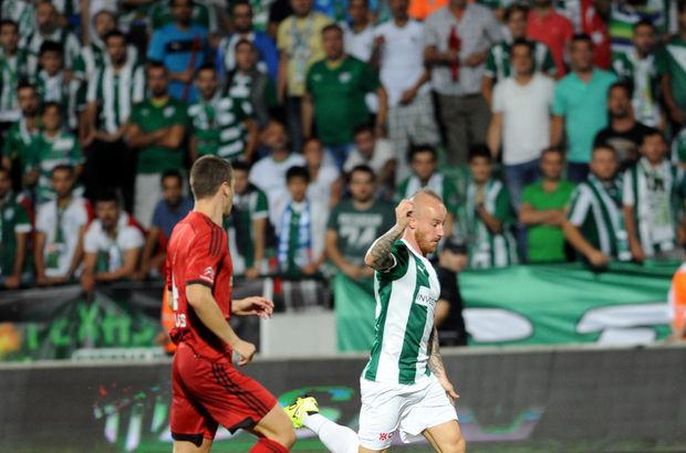 Bursaspor Teknik Direktörü Ertuğrul Sağlam, Miroslav Stoch'un F.Bahçe karşısında oynayamayacak olmasıyla ilgili 'bence garip değil' ifadesini kullandı