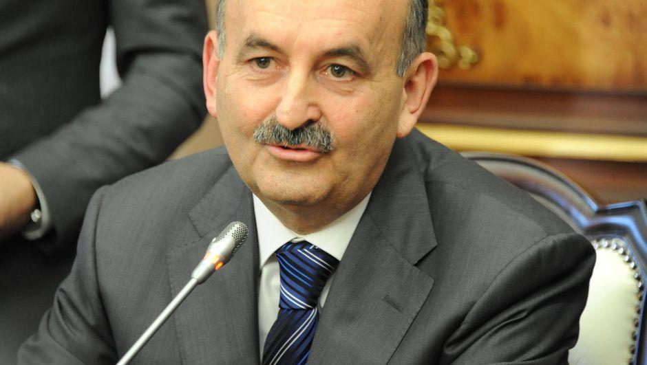 Mehmet Müezzinoğlu, Petar Moskov, Bakırköy Ruh ve Sinir Hastalıkları Hastanesi
