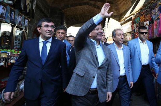 Başbakan Davutoğlu'ndan Diyarbakır ve Dağlıca ziyareti