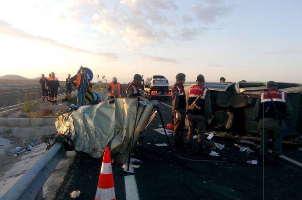 Niğde'de katliam gibi kaza! 13 kişi hayatını kaybetti