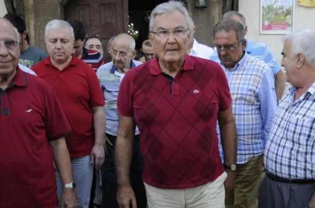 Deniz Baykal partisinin bayramlaşma törenine katıldı