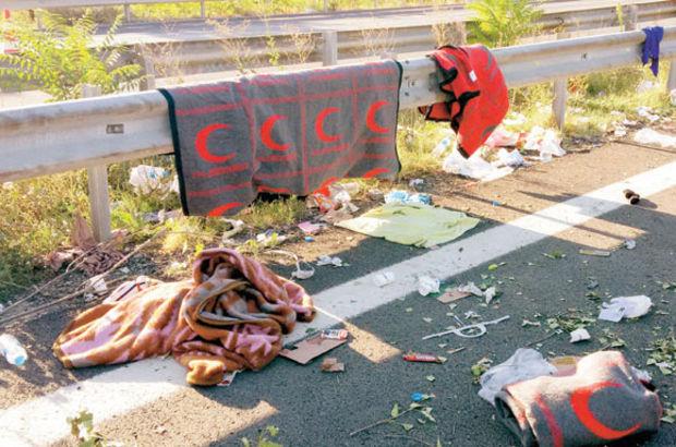 Sığınmacılar gitti, çöp yığınları kaldı