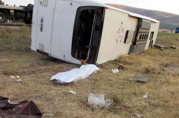 Afyonkarahisar'da yolcu otobüsü devrildi: 1 ölü, 38 yaralı