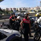 Sahte üsteğmen Ataşehir'de durakta yakalandı
